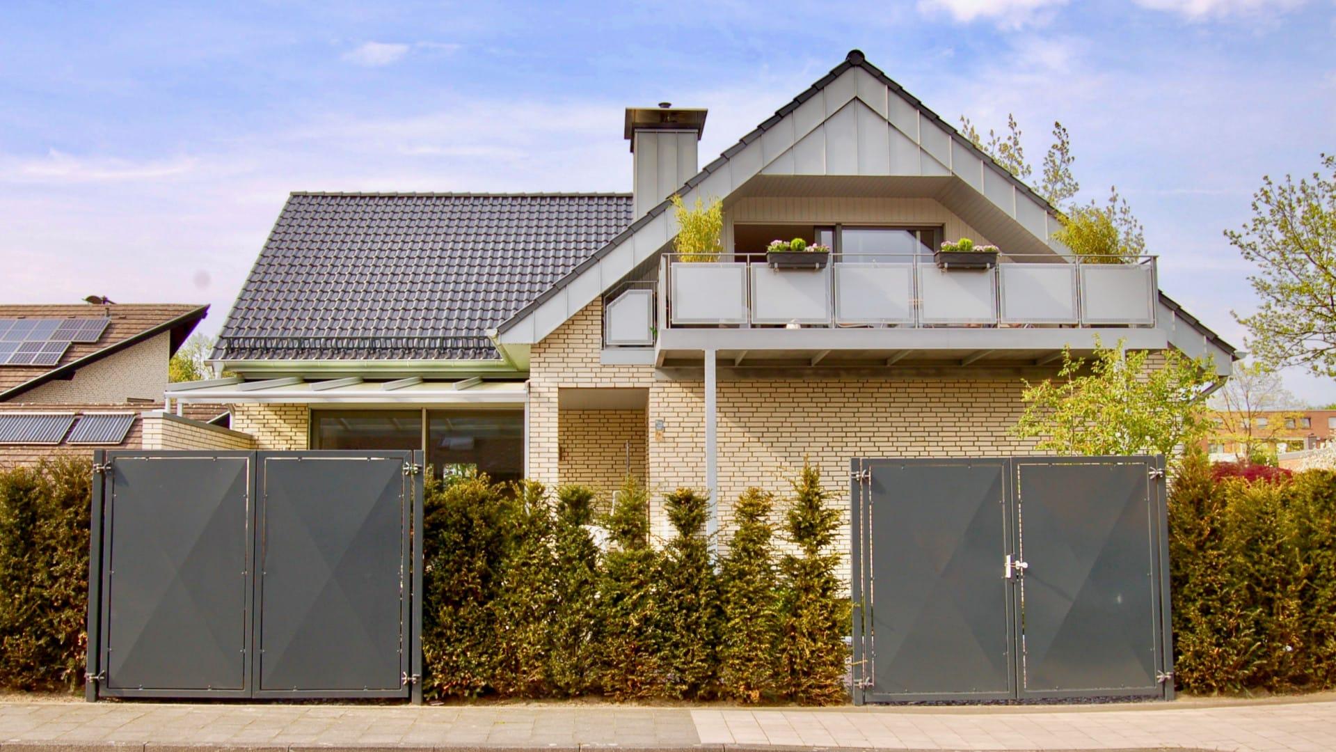 FMW11, Moderniesierung und Erweiterung eines Zwei-Familienhauses